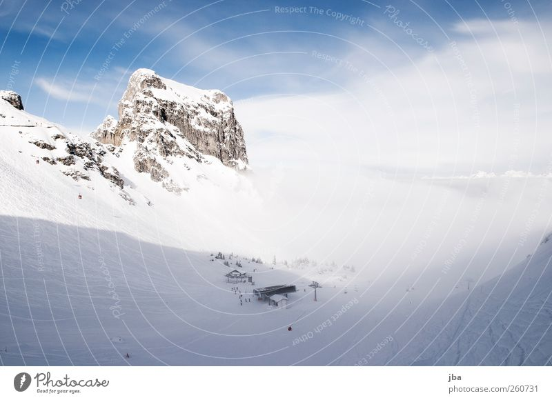 Nebel im Anmarsch Himmel Ferien & Urlaub & Reisen Winter Erholung Landschaft Schnee Berge u. Gebirge Freiheit Felsen wandern Beginn Skifahren Ende Alpen Spuren