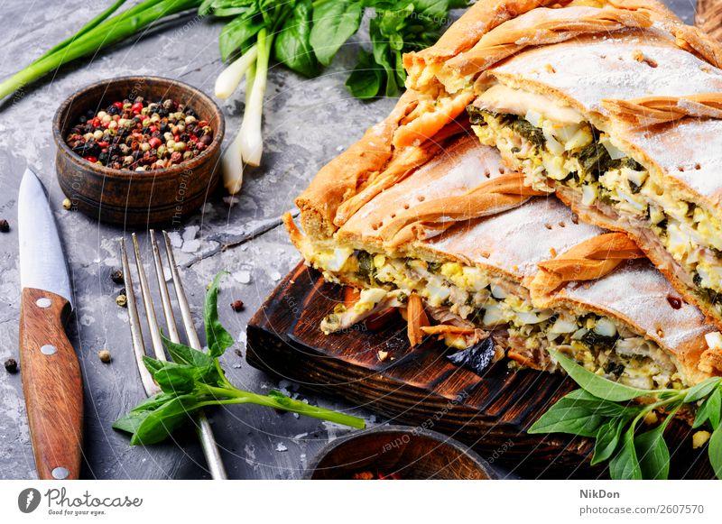 Pastete mit Grün und Eiern Pasteten Lebensmittel grün Gesundheit Mittagessen Essen zubereiten Mahlzeit Gemüse Abendessen Frühstück gebacken Teller Gebäck Kruste