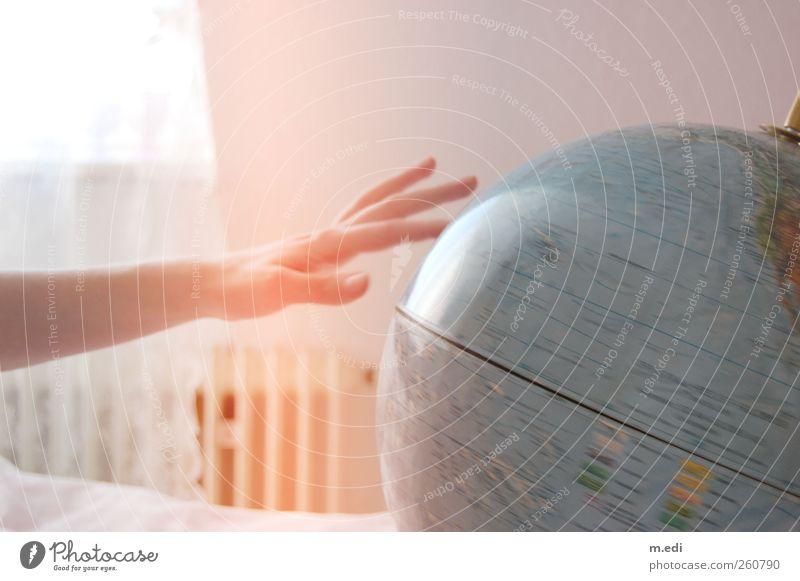 spinning the world around hell Autofenster Sehnsucht Kugel Globus Landkarte Fernweh Heimweh