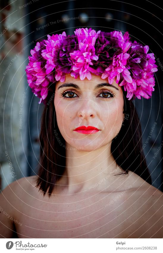 Hübsche brünette Frau Glück schön Körper Haut Gesicht Kosmetik Schminke Wellness Spa Mensch Erwachsene Natur Blume Mode Erotik frisch natürlich niedlich
