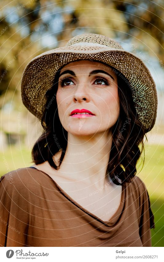 Stilvolle Frau Lifestyle schön Gesicht Mensch Erwachsene Natur Landschaft Baum Mode Bekleidung Hut brünett Erotik niedlich retro braun Mädchen jung