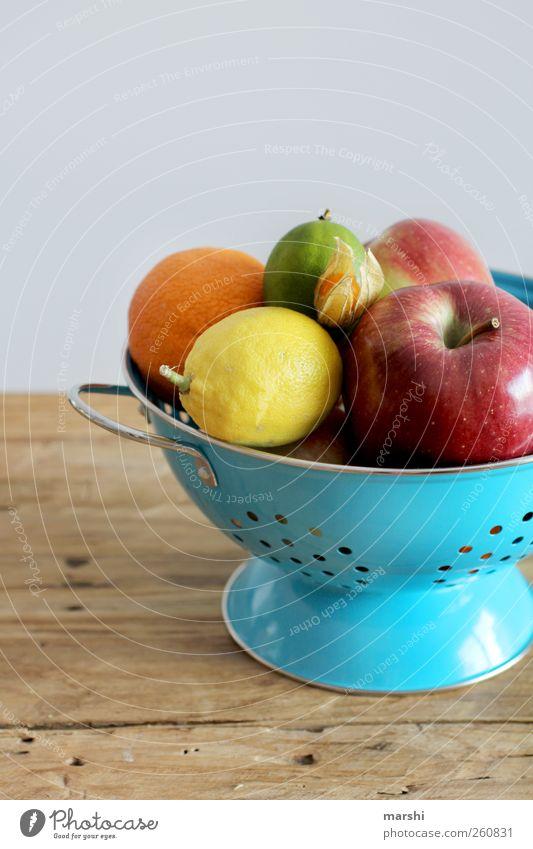 bunte Vitamine Lebensmittel Frucht Ernährung Bioprodukte Vegetarische Ernährung Diät Gesundheit mehrfarbig lecker nudelsieb Apfel Orange Zitrone Limone Physalis
