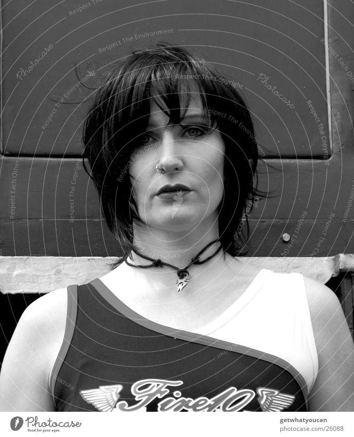The Voice Frau Auge kalt Musik Eisenbahn ernst Sänger