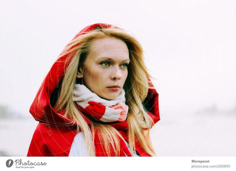 Mensch Jugendliche schön Erwachsene Gesicht feminin Gefühle Kopf Haare & Frisuren träumen Horizont blond Haut wild 18-30 Jahre Junge Frau