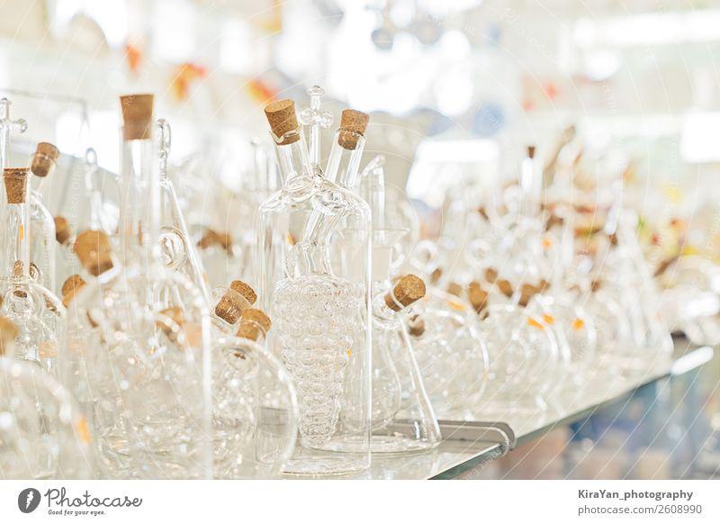 Auswahl an transparenten Flaschen mit Küchenutensilien kaufen elegant Ferien & Urlaub & Reisen Dekoration & Verzierung Tisch Arbeit & Erwerbstätigkeit Fabrik