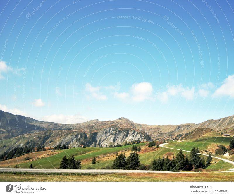 Wann wird es wieder richtig Sommer - oder etwas wärmer :-) Himmel Natur blau grün Baum Ferien & Urlaub & Reisen Wolken Wald Straße Umwelt Herbst Landschaft Berge u. Gebirge Wege & Pfade Luft braun