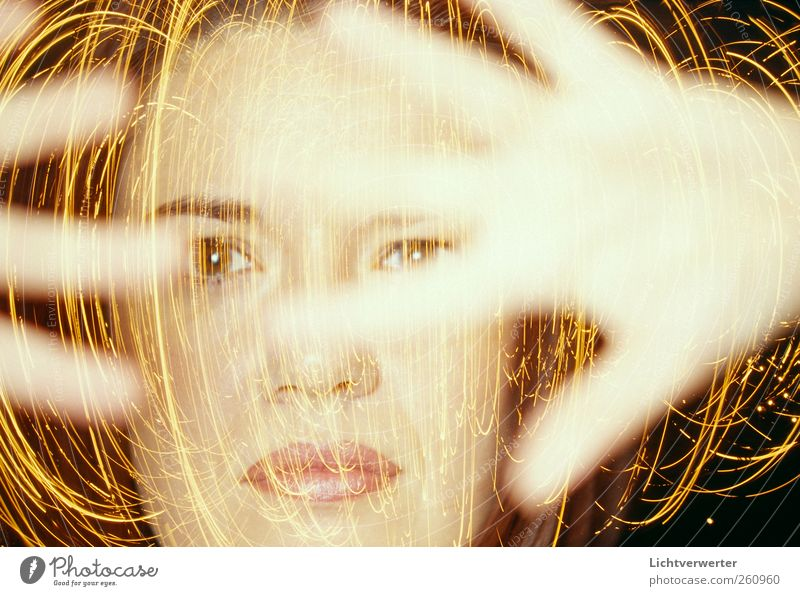 LichtSynapsen! Mensch feminin Frau Erwachsene Kopf Hand 1 ästhetisch Zufriedenheit Bewegung bizarr chaotisch Energie licht doppelbelichtung Irritation