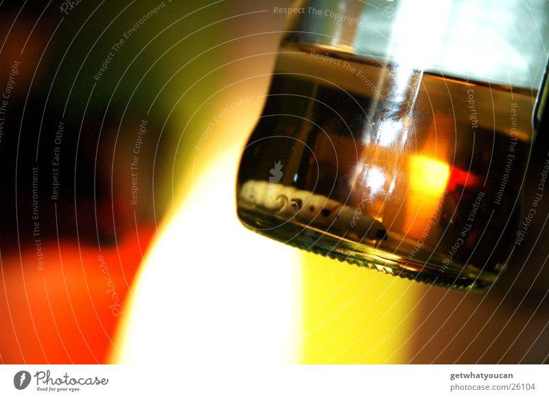 Mezcal im Zwielicht Tod Getränk Flasche Alkohol Ekel Tequila Rest Wurm Larve