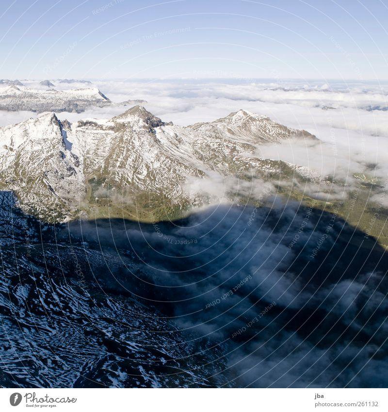 Blick aus der Nordwand Leben ruhig Tourismus Ausflug Expedition Sommer Schnee Berge u. Gebirge Klettern Bergsteigen Natur Landschaft Erde Luft Himmel Wolken