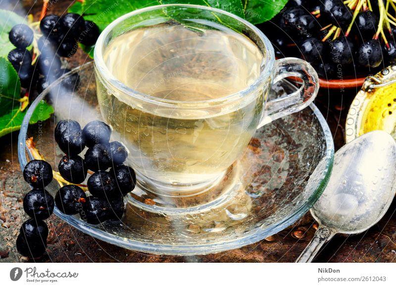 Aroniabeere mit Blatt Frucht Tee Kraut Kräuterbuch trinken Gesundheit Tasse Getränk natürlich Medizin Pflanze aromatisch Teetasse Becher medizinisch Kräutertee
