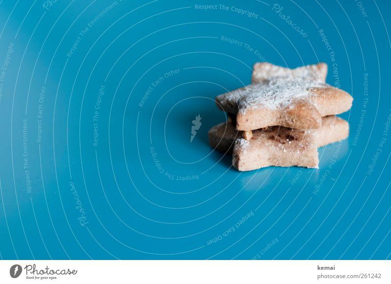 Und jetzt alle: Ein Stern... Lebensmittel Dessert Süßwaren Weihnachtsgebäck Ernährung Zeichen Stern (Symbol) liegen lecker süß blau Kalorienreich Puderzucker
