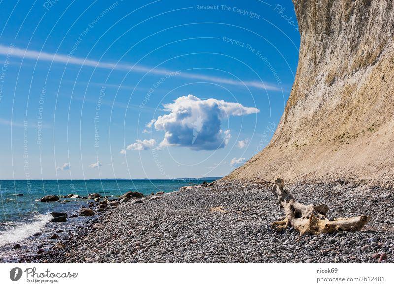 An der Küste der Ostsee auf der Insel Rügen Ferien & Urlaub & Reisen Tourismus Meer Natur Landschaft Wolken Felsen Sehenswürdigkeit Stein blau Romantik Idylle
