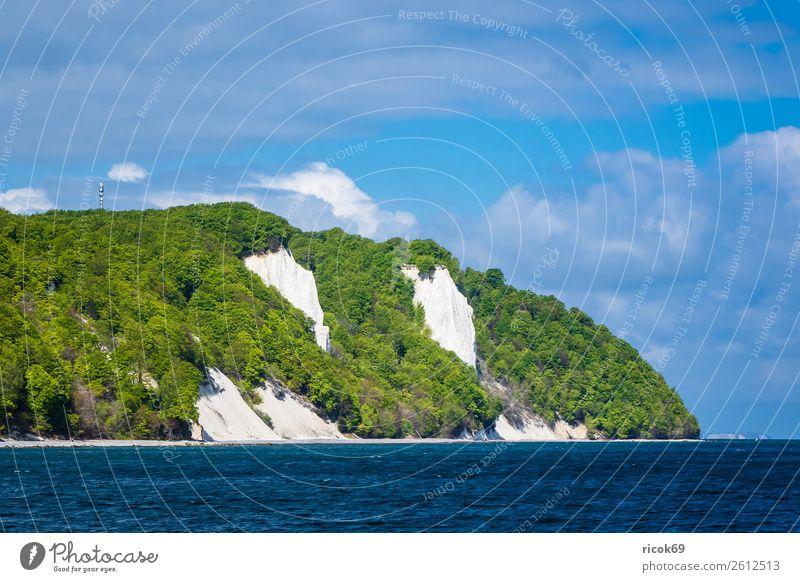 An der Küste der Ostsee auf der Insel Rügen Erholung Ferien & Urlaub & Reisen Tourismus Natur Landschaft Wolken Baum Wald Sehenswürdigkeit blau grün Romantik