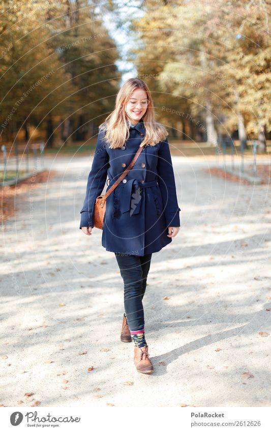 #A# Herbst-Spaziergang Kunst ästhetisch herbstlich Herbstlaub Herbstfärbung Herbstbeginn Herbstwetter Herbstlandschaft Frau Mantel Mode Lächeln lachen Tasche