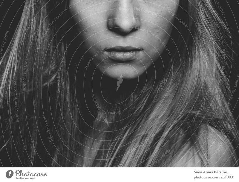 . feminin Frau Erwachsene Haare & Frisuren Gesicht Mund Lippen 1 Mensch 18-30 Jahre Jugendliche langhaarig modern nackt dünn schön Gefühle Stimmung selbstbewußt