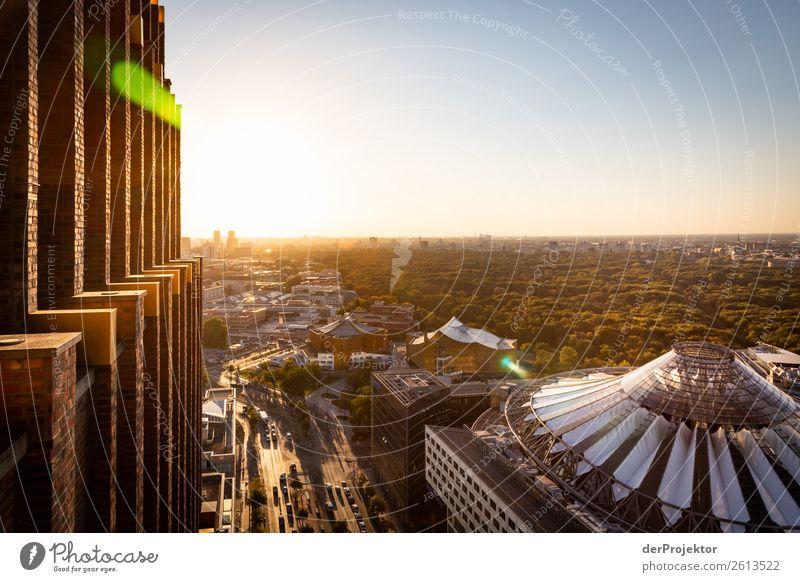 Sonnenuntergang mit Blick auf Westberlin Ferien & Urlaub & Reisen Ferne Architektur Berlin Glück Gebäude Tourismus außergewöhnlich Freiheit Ausflug Park