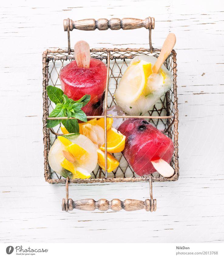 Vielfalt von Eiscreme süß Dessert Lebensmittel Sahne Sommer gefroren Geschmack kalt lecker Molkerei Vanille Zapfen Eisbecher geschmackvoll melken Frucht Beeren