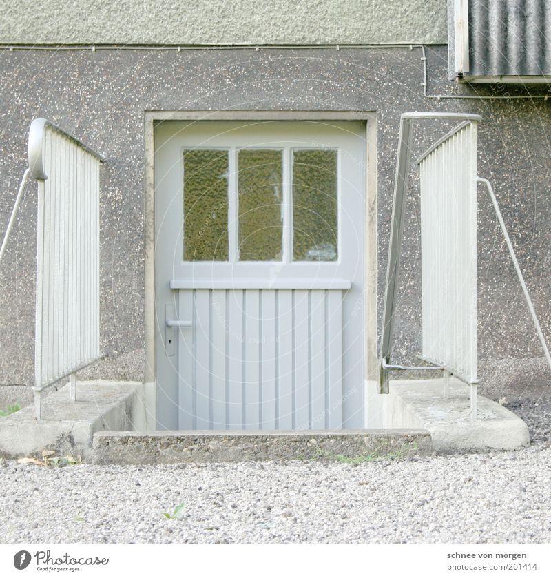 """gewerkschaftshaus Kleinstadt Haus Bauwerk Gebäude Architektur Mauer Wand Treppe Fassade Tür Keller Ehrlichkeit authentisch Häusliches Leben """"trist grau geländer"""
