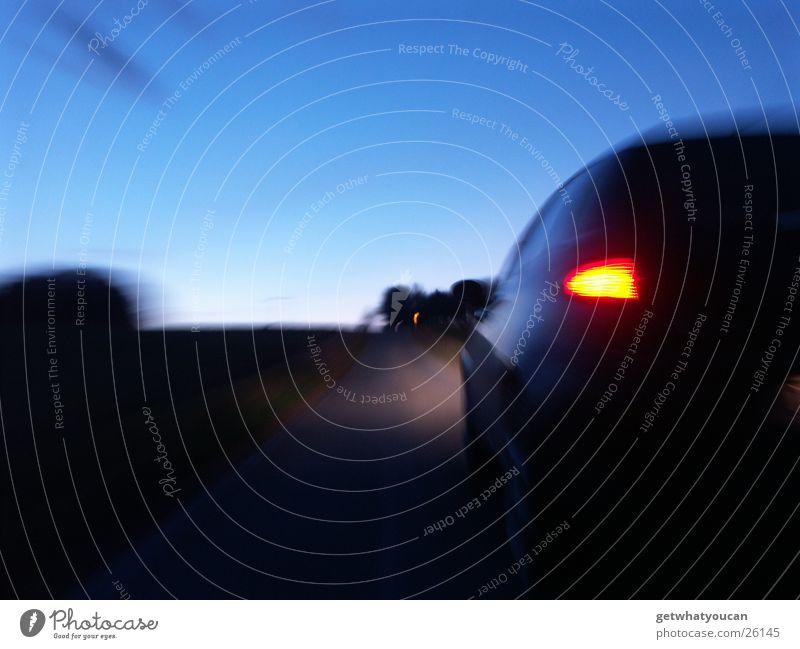 Dynamik schön Himmel Baum schwarz Straße dunkel Bewegung PKW Horizont Verkehr Geschwindigkeit Italien Heck 147