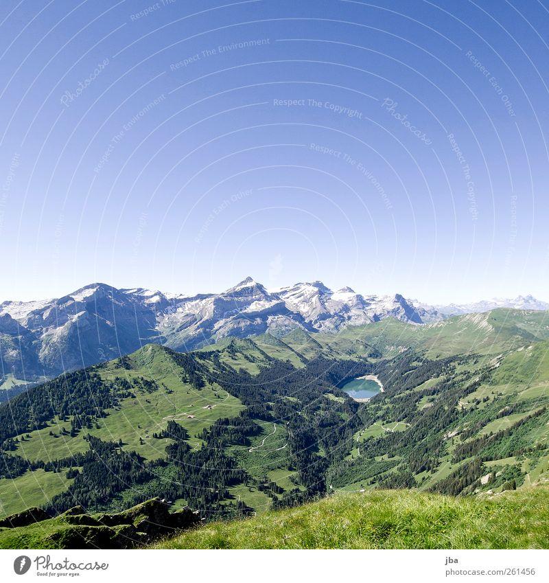 Arnensee Natur blau grün Wasser Erholung Landschaft ruhig Wald Berge u. Gebirge Wiese Gras See Felsen Luft authentisch Ausflug