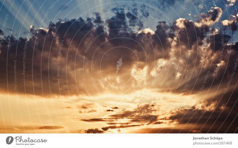 Der Himmel strahlt ... Himmel (Jenseits) Wolken ruhig Umwelt Gefühle Religion & Glaube Luft Stimmung gold Klima ästhetisch Hoffnung einzigartig Urelemente