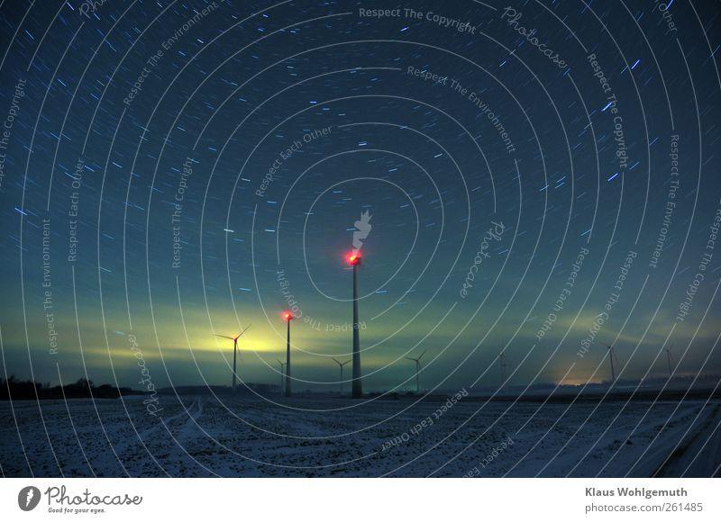 Tempus fugit Energiewirtschaft Erneuerbare Energie Windkraftanlage Landschaft Erde Himmel Stern Horizont Feld Leuchtturm Bauwerk Architektur dunkel blau gelb