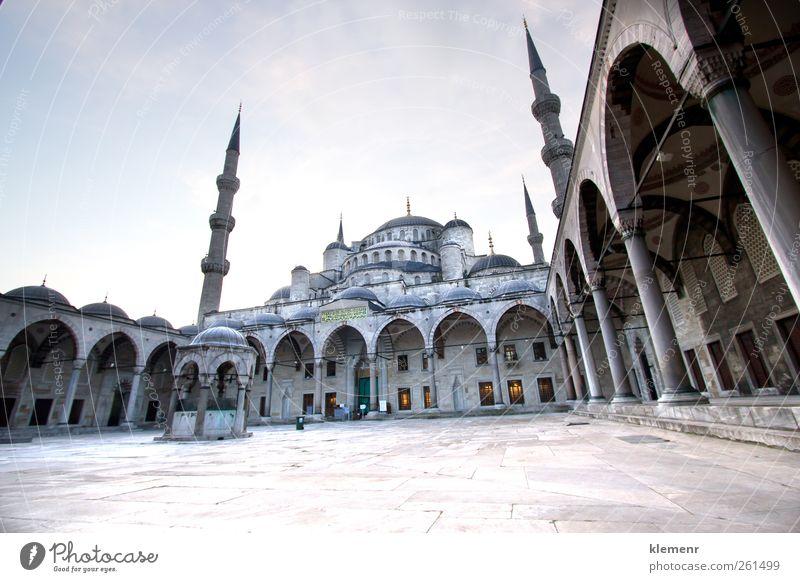 Himmel blau Architektur Religion & Glaube Gebäude Tourismus Kultur Mitte Aussicht historisch Denkmal antik horizontal Tempel Istanbul Islam