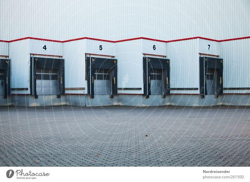 Ladezone Architektur Stein Gebäude Metall Linie Arbeit & Erwerbstätigkeit Tür Fassade Design Verkehr modern Streifen Industrie Ziffern & Zahlen