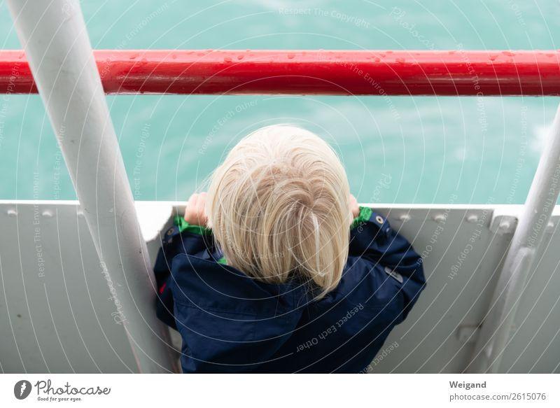 Meerblick Ferien & Urlaub & Reisen Sommer Sommerurlaub Insel Kleinkind Junge 1-3 Jahre 3-8 Jahre Kind Kindheit träumen Neugier rot dankbar Wasserfahrzeug