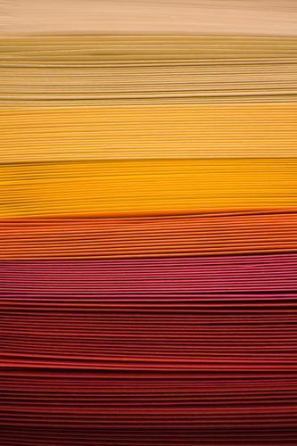 Stapel Güterverkehr & Logistik Werbebranche Dekoration & Verzierung Papier gelb rot Farbe Ordnung viele orange Basteln Kreativität Schreibwaren Design gestalten