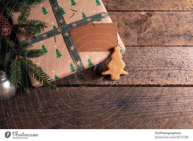 Weihnachtsgeschenk mit leerem Tag und Ingwerkeksen Dessert Winter Dekoration & Verzierung Weihnachten & Advent grün Tradition Weihnachtskugeln Frohe Weihnachten