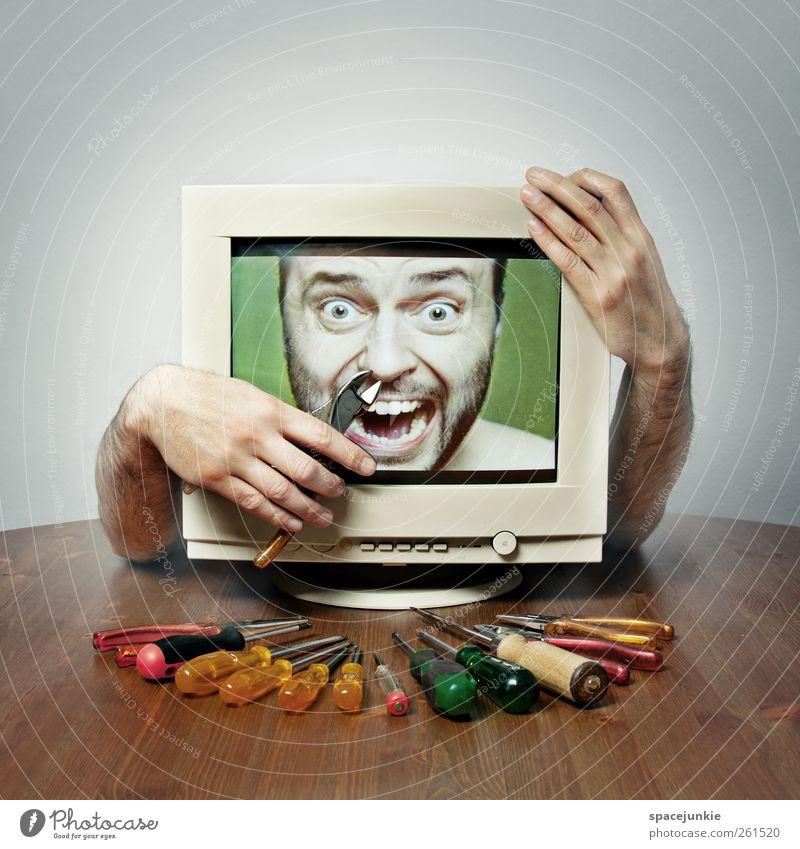 Fehlerdiagnose Mensch Mann Jugendliche Gesicht Erwachsene Computer maskulin verrückt kaputt Internet berühren Medien gruselig skurril Bildschirm Junger Mann