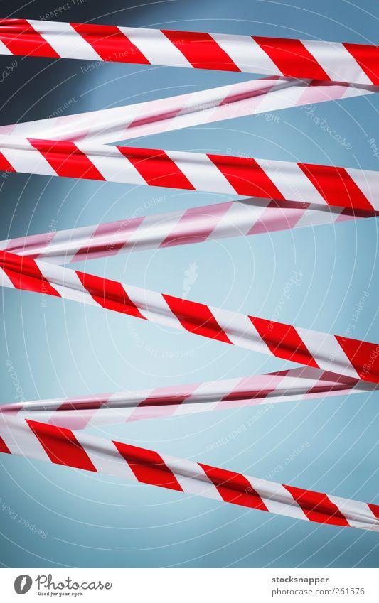 weiß rot Sicherheit Hinweisschild Streifen Kunststoff Schutz Barriere gestreift Vorsicht blockieren Begrenzung Objektfotografie Verwarnung Ermahnung