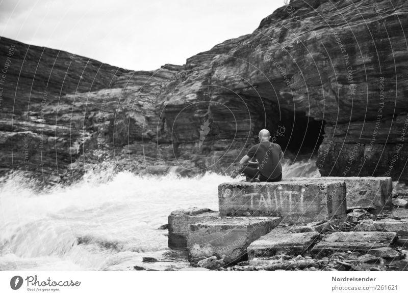 500 | Ein Meilenstein... Mensch Mann Wasser Ferien & Urlaub & Reisen Einsamkeit ruhig Erwachsene Ferne Erholung Landschaft Berge u. Gebirge Stimmung Kraft