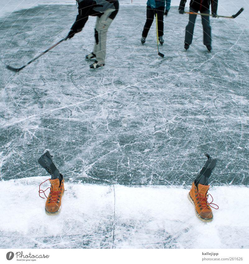 play-off Sport Wintersport Sportstätten Mensch Körper Beine Fuß 3 Umwelt Natur Klima Wetter Eis Frost Teich See Hose Spielen Eishockey planen Sportmannschaft