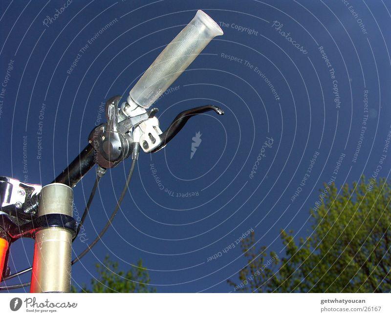 Hydraulischer Lebensretter Himmel blau schön Baum Sonne Fahrrad Kabel Leitung Griff Gabel Bremse Fahrradlenker Hebel Extremsport Gangschaltung