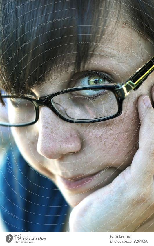 Ken Mensch Jugendliche blau schön Erwachsene Auge Gefühle Kopf Glück träumen Freundschaft Zufriedenheit warten Hoffnung Brille 18-30 Jahre