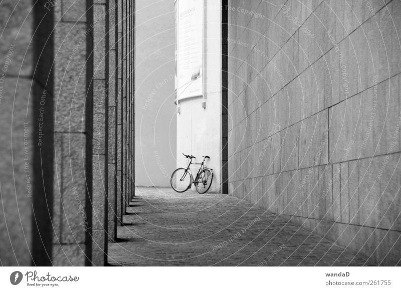 ________________ weiß Stadt schön Freude schwarz Erholung Leben Wand Architektur grau Bewegung Stein Mauer Zufriedenheit Freizeit & Hobby elegant