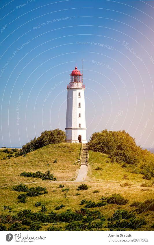 Leichtturm Dornbusch auf Hiddensee Ferien & Urlaub & Reisen Natur Sommer Landschaft Ferne Architektur Wege & Pfade Wiese Küste Deutschland Tourismus Stimmung
