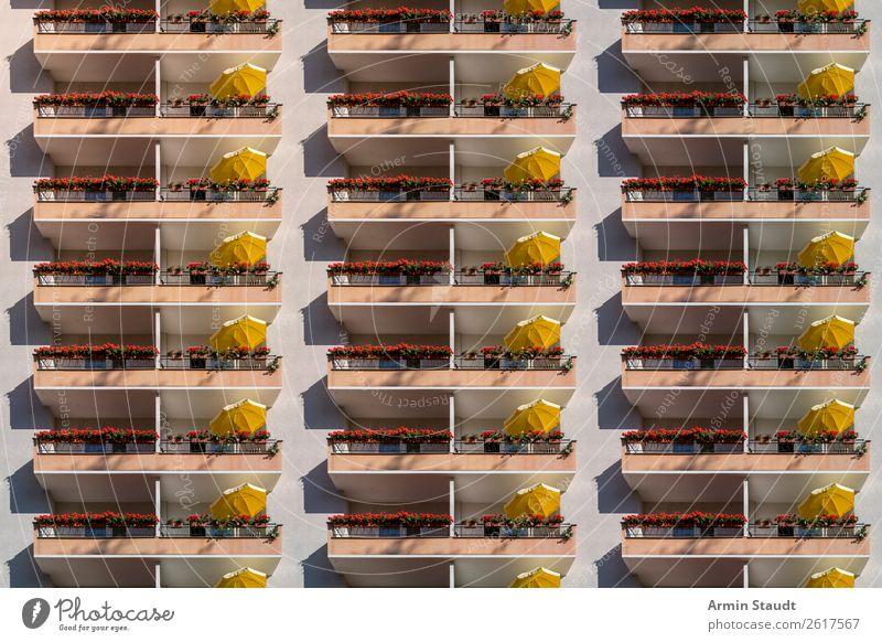 Globalisierung Lifestyle Reichtum Stil Design Freude Glück Wohlgefühl Zufriedenheit Erholung ruhig Freizeit & Hobby Sommerurlaub Sonnenbad Stadt Gebäude Fassade