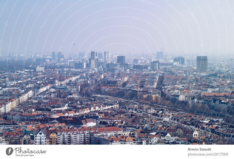 Berlin dunstig Lifestyle Ferien & Urlaub & Reisen Tourismus Ausflug Ferne Sightseeing Luft Himmel Nebel Hauptstadt Stadtzentrum Skyline Haus Hochhaus