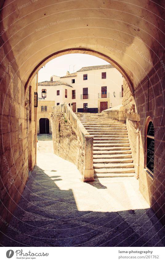 Pueblo andaluz [XIII] weiß Ferien & Urlaub & Reisen Haus Wand Architektur Wege & Pfade Mauer Platz Treppe Bauwerk Dorf Tunnel Spanien Sehenswürdigkeit antik