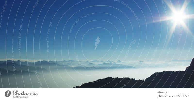 in weiter Ferne Himmel Natur blau Ferien & Urlaub & Reisen Sonne Sommer Wolken schwarz Umwelt Herbst Landschaft Berge u. Gebirge Freiheit grau Luft
