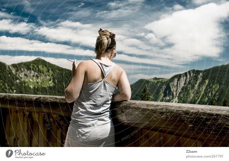 mei Madl! 1400 Mensch Himmel Natur Sommer Wolken ruhig Erholung feminin Landschaft Berge u. Gebirge Denken träumen blond Freizeit & Hobby wandern Ausflug