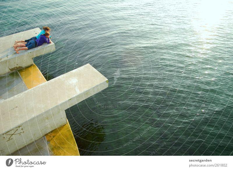 über den sinn des lebens nachdenken. Mensch Jugendliche blau Wasser grün Ferien & Urlaub & Reisen Mädchen Sommer Meer gelb Erholung Leben Freiheit Küste
