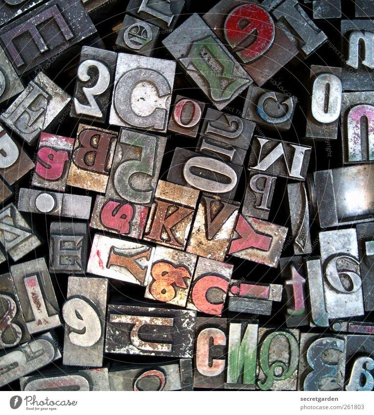 Suchspiel: L rot Metall Freizeit & Hobby dreckig Schriftzeichen Suche retro lesen Kommunizieren Ziffern & Zahlen historisch trashig chaotisch Inspiration