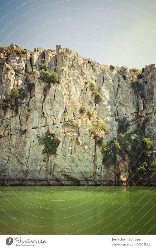 Grünseeklippe I Himmel Natur Wasser grün Ferien & Urlaub & Reisen Sonne Sommer Ferne Umwelt Landschaft Freiheit springen See Luft Felsen hoch