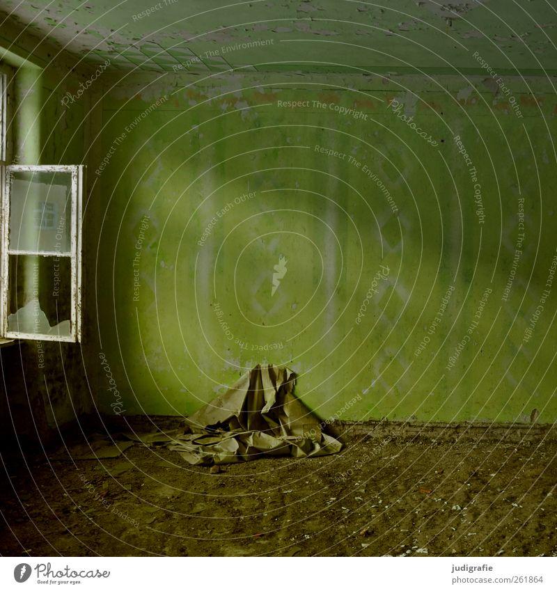 Garnison Farbe Haus Fenster Wand Mauer Gebäude leer kaputt Wandel & Veränderung Vergänglichkeit Vergangenheit Tapete Verfall trashig Ruine Unbewohnt