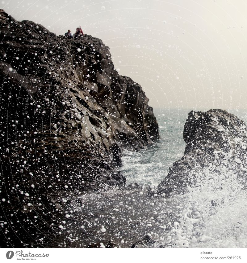 /W A VE Wasser Meer Landschaft Küste Horizont Wetter Wellen Wind Felsen nass Wassertropfen Bucht Sturm Island Riff