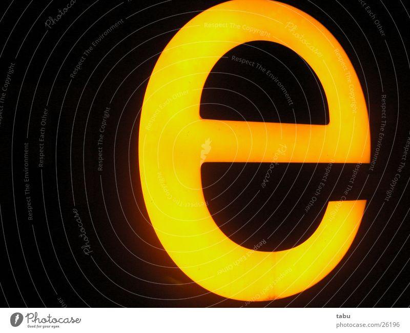 yEllow gelb Lampe Buchstaben